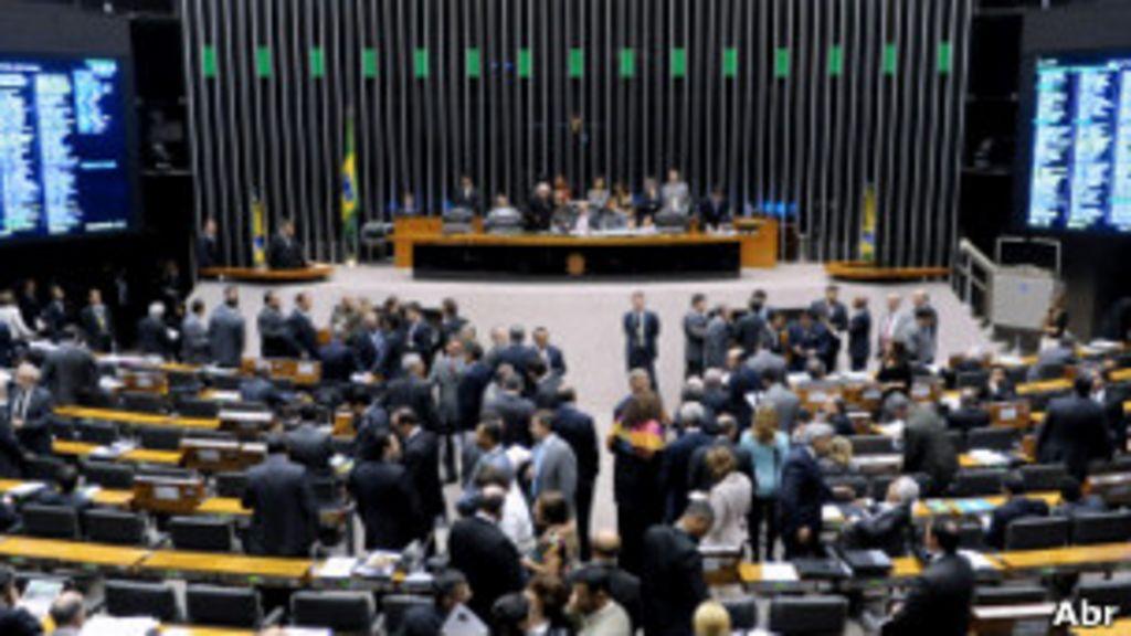 Dois itens essenciais a muitas reformas políticas - BBC Brasil