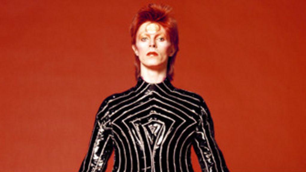 A carreira de David Bowie em retrospectiva - BBC Brasil