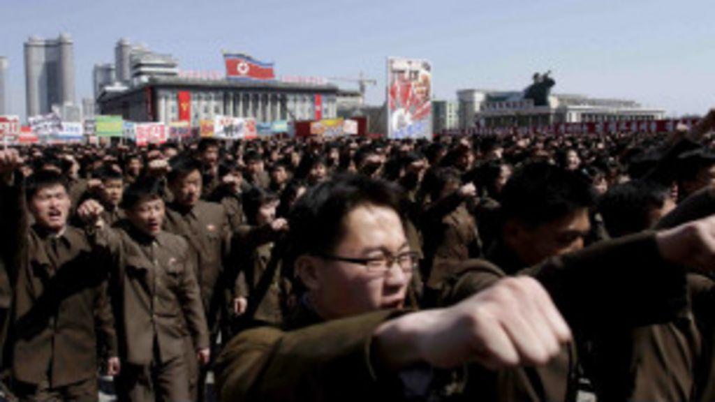 Corea do Norte entra em 'estado de guerra' contra Seul - BBC Brasil