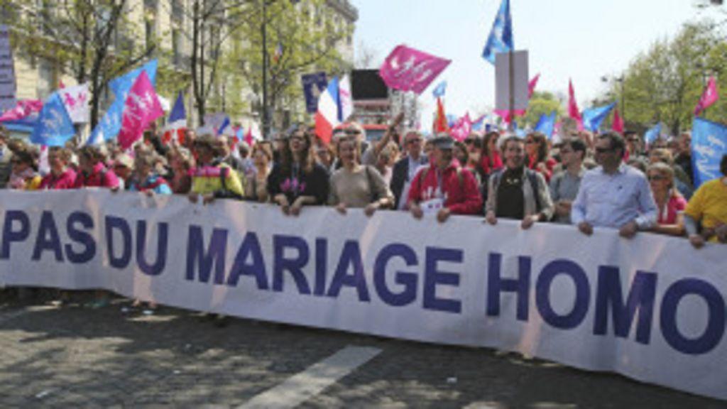 Ataques homofóbicos expõem divisão sobre casamento gay na ...