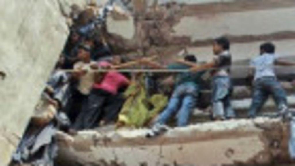 Bangladesh: Mortes em desabamento passam de 200 - BBC Brasil