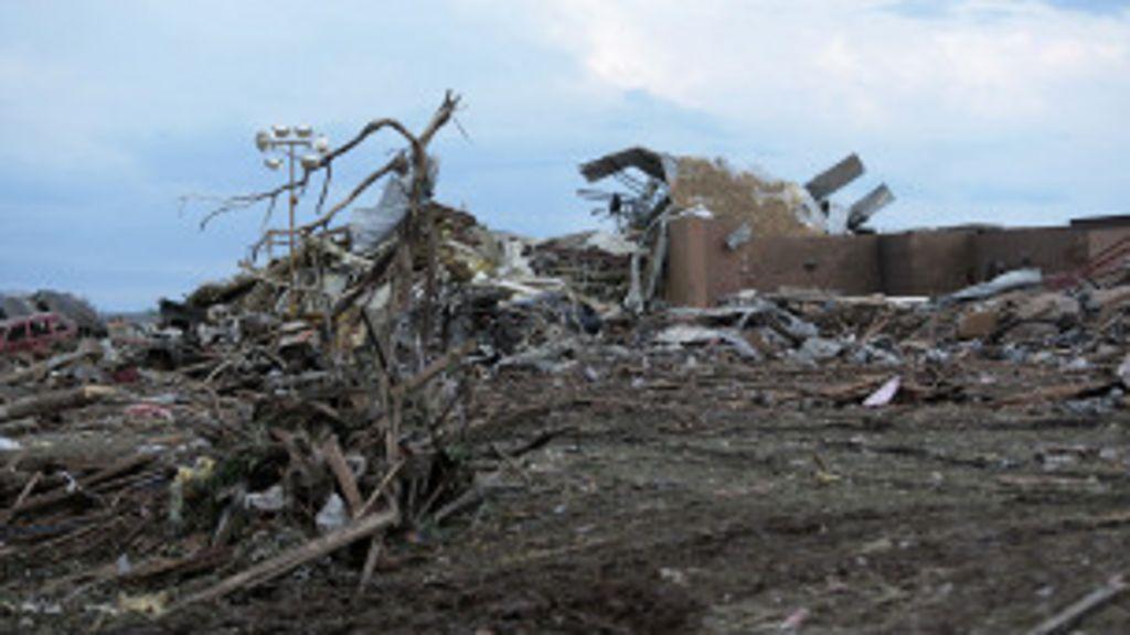'Pensamos que íamos morrer', conta sobrevivente de tornado nos EUA