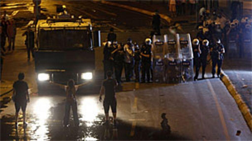 Manifestações contra o governo entram no terceiro dia na Turquia ...