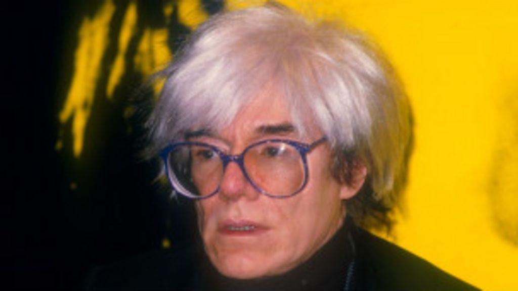 Museu transmite aniversário de Andy Warhol de cemitério - BBC Brasil