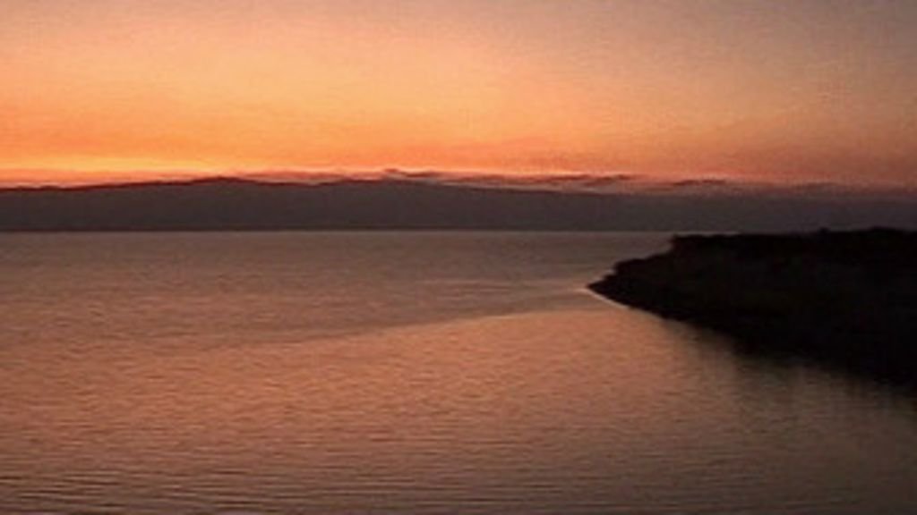 130820024520_sp_dead_sea_at_dusk_336x189_bbc_nocredit