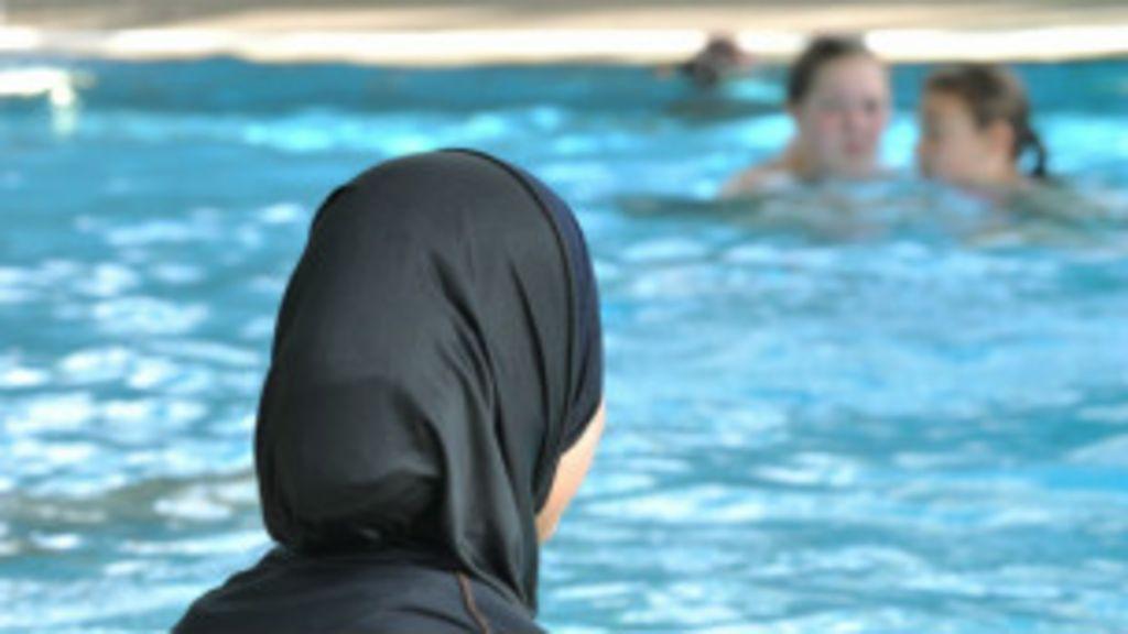 Justiça alemã sugere que garota use 'burquíni' em natação - BBC ...