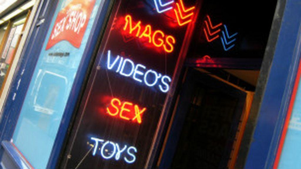Especialistas defendem educação sexual contra pornografia - BBC ...