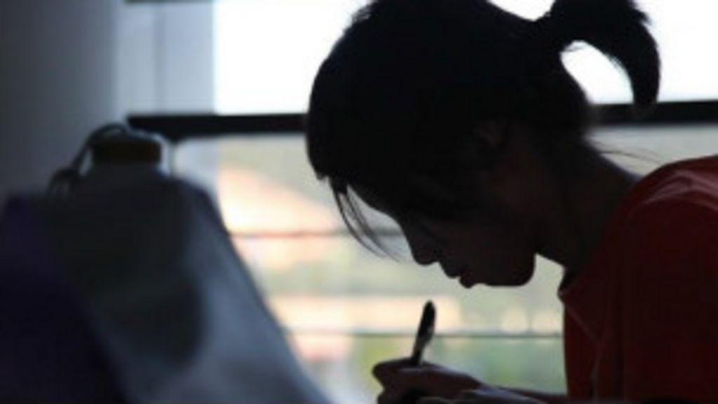 Os empregos que as mulheres não podem ter na China - BBC Brasil