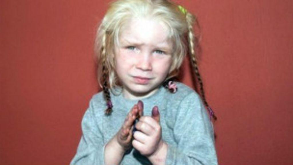 DNA confirma que búlgaros são pais de menina loira achada com ...