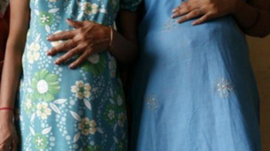 Mães de aluguel na Índia geram dois pares de gêmeos para casal ...