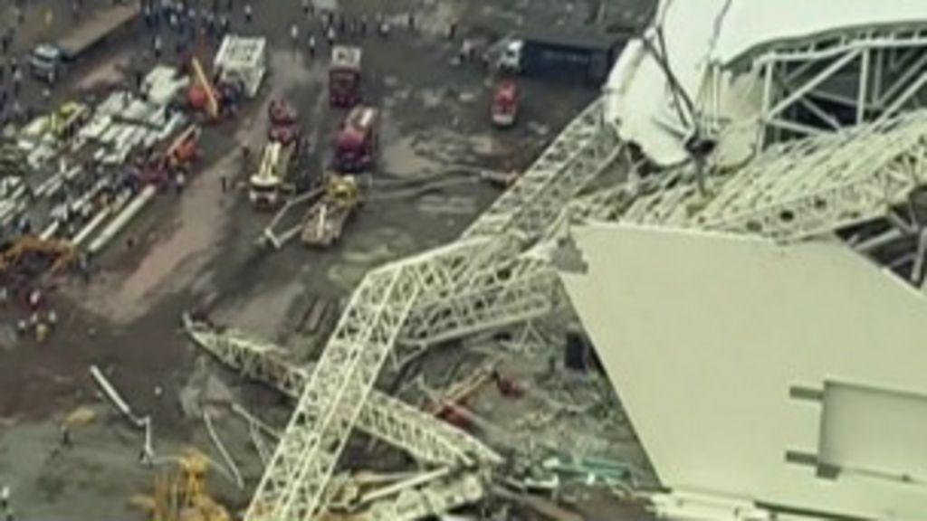 Acidente no estádio da Copa mata dois em SP - BBC Brasil