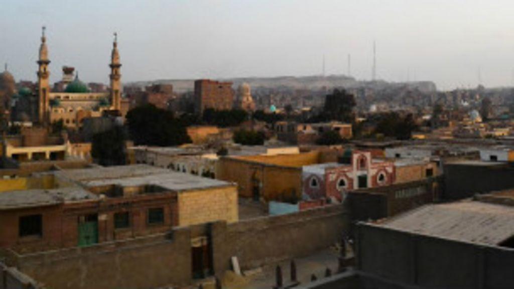 'Cidade' em cemitério no Cairo resiste às mudanças do Egito - BBC ...