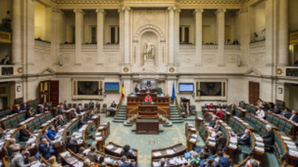Em meio à polêmica, parlamento da Bélgica aprova eutanásia para ...