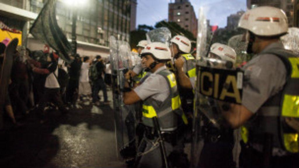 Governos devem facilitar e não criminalizar manifestações, diz ONU ...
