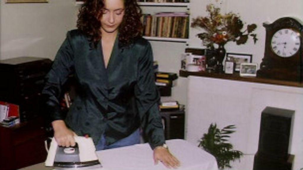 Mulher ainda gasta quase dobro do tempo em trabalho doméstico ...