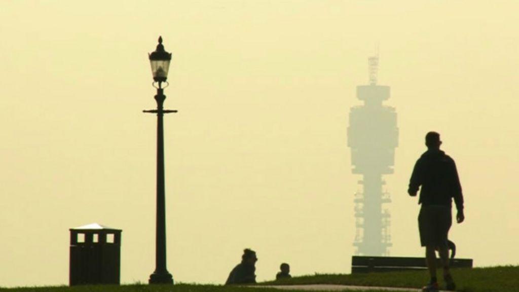 Mistura de poluição e poeira do deserto encobre cidades inglesas ...