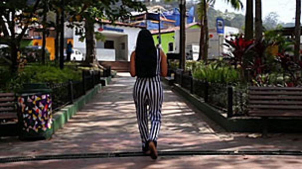 Venezuelanas arriscam saúde com injeções de silicone nas nádegas