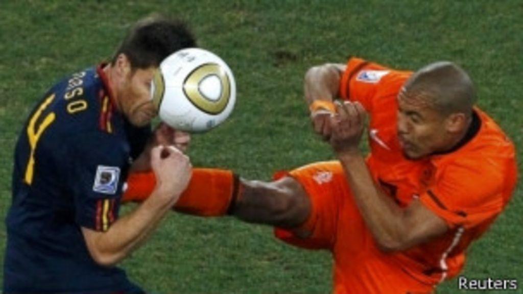 Dez agressões que marcaram a história das Copas - BBC Brasil