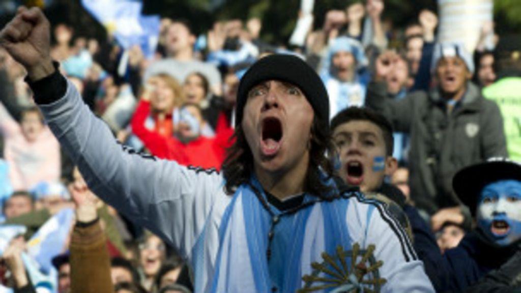 Argentinos convidam brasileiros para ' aprenderem' a torcer - BBC ...