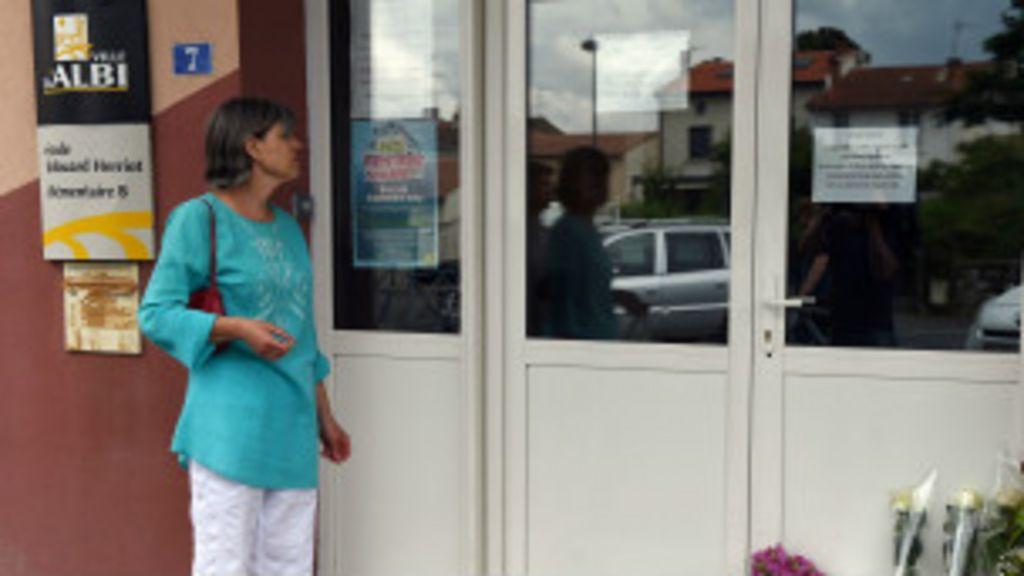 Mãe de aluna mata professora em frente à classe na França - BBC ...
