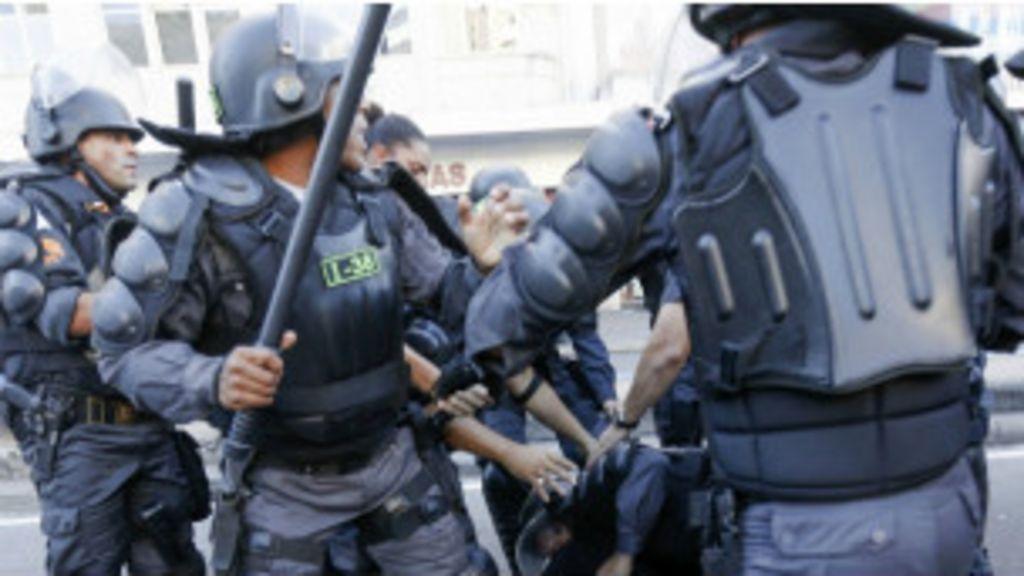 Três em dez policiais no Brasil 'já sofreram abusos na própria polícia'