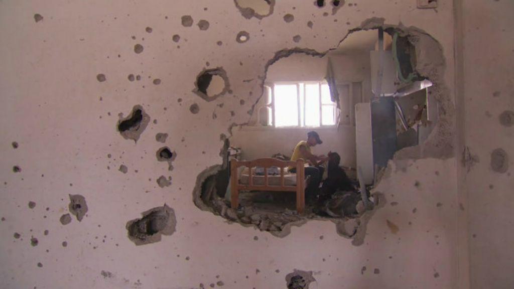 'Para onde mais podemos ir?', diz morador de Gaza - BBC Brasil