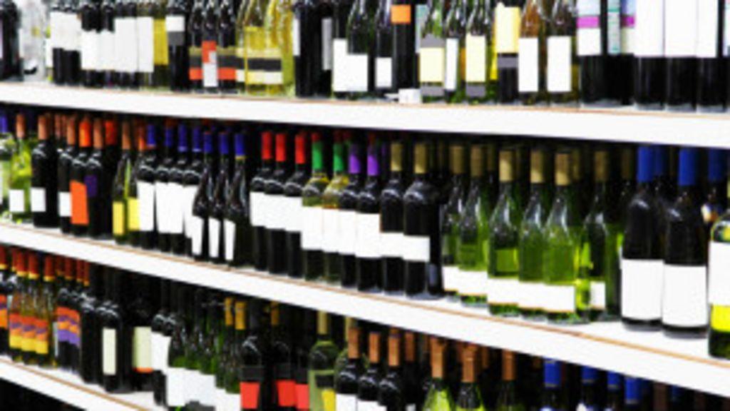 Políticos britânicos querem que bebidas venham com alertas de ...