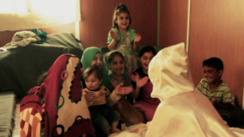 Guerra cria mercado de noivas adolescentes entre refugiados sírios ...