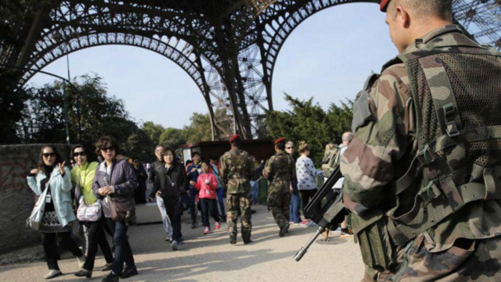 Polícia francesa faz 'trapalhada' e espera extremistas no aeroporto ...