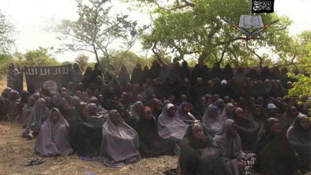 Encontrada uma das 200 meninas sequestradas na Nigéria - BBC ...
