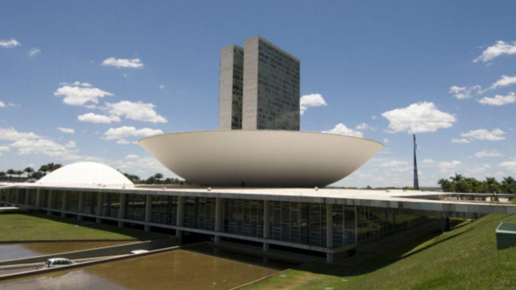Brasil elege Congresso mais 'fragmentado': veja vencedores e ...