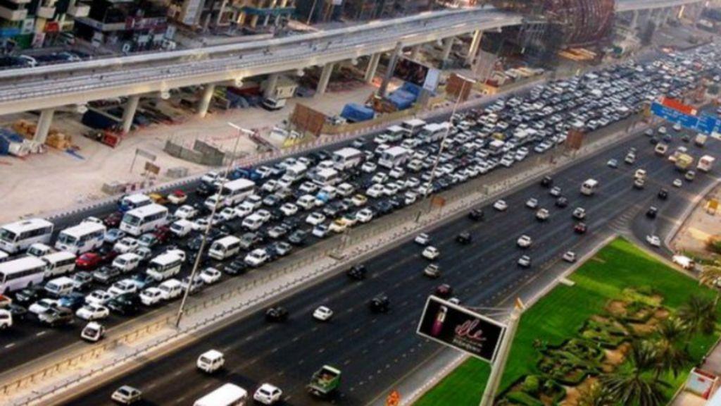 Dubai oferece prêmio em ouro para quem trocar carro por ...