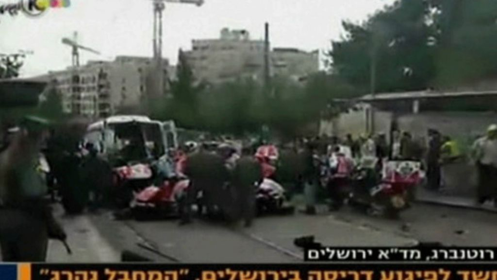 Em meio a tensão, motorista atropela pedestres e é morto a tiros em ...
