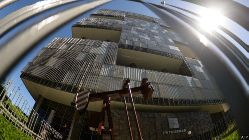 Escândalo da Petrobras 'engoliu 2,5% da economia em 2015' - BBC ...