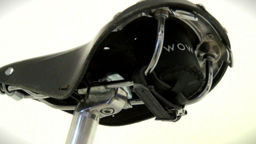 Invento faz ciclista captar música pelos glúteos - BBC Brasil