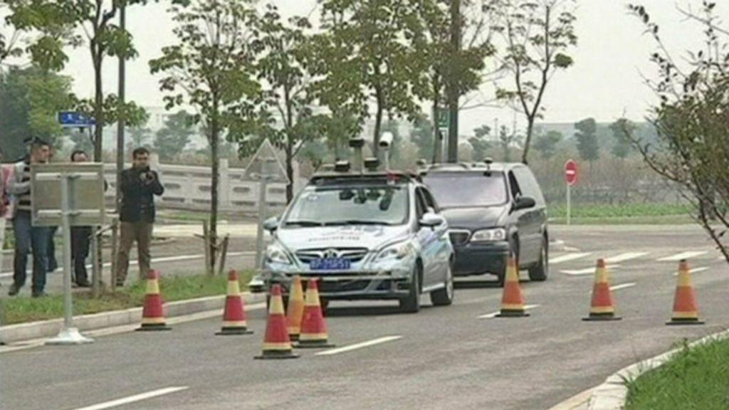 China faz corrida de carros sem motorista - BBC Brasil