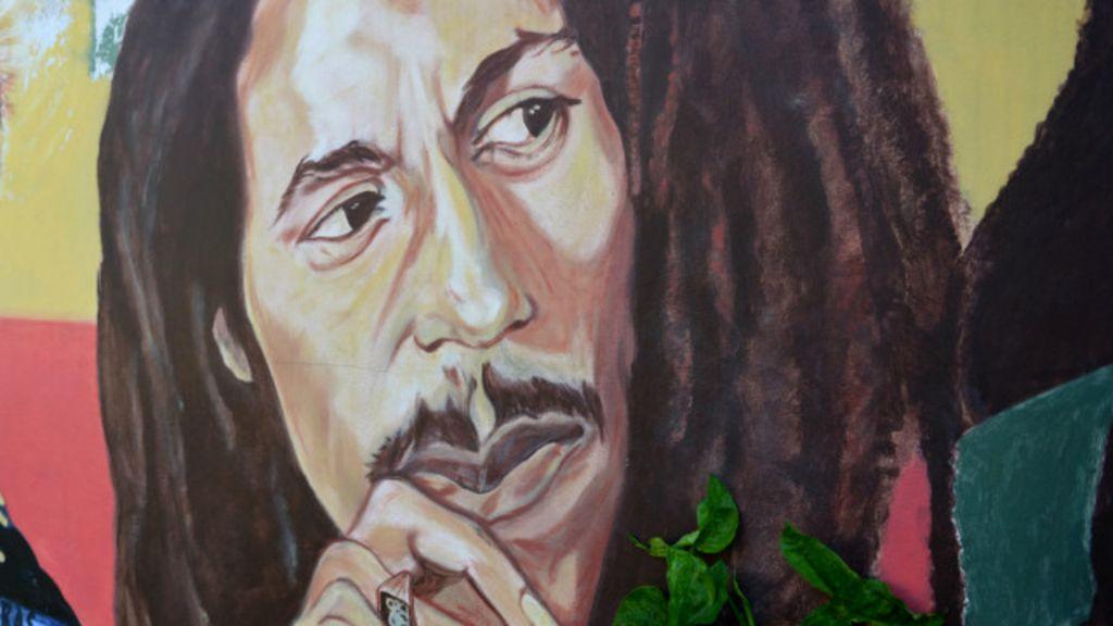 Família autoriza e Bob Marley vai virar marca de produtos à base de ...