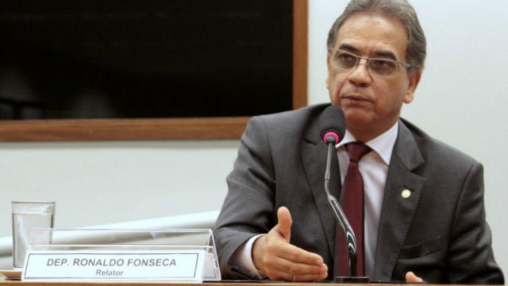 'Não é possível dar privilégios só a homossexuais', diz relator do ...
