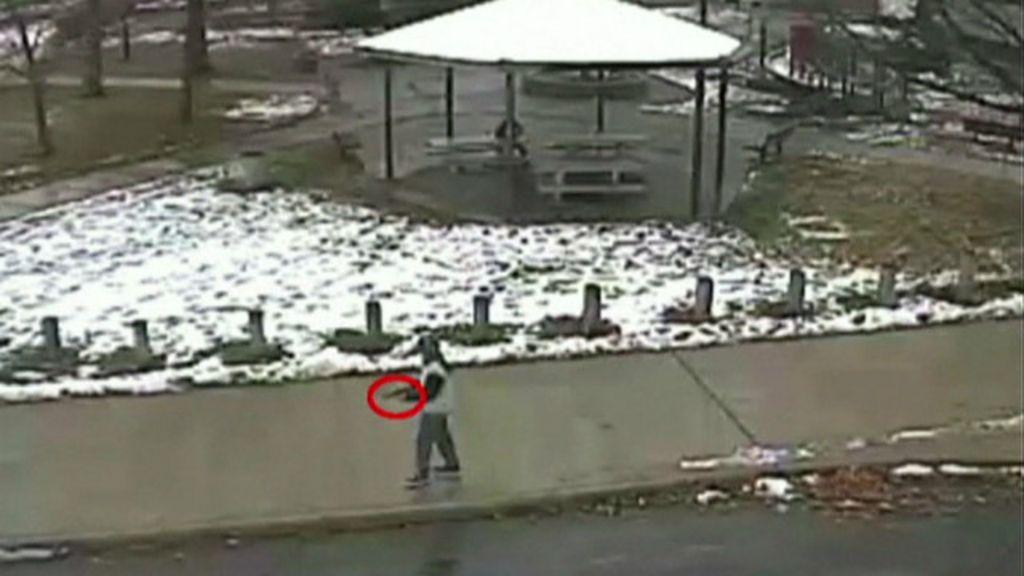 Menino com arma falsa foi morto 2s após chegada da polícia ...