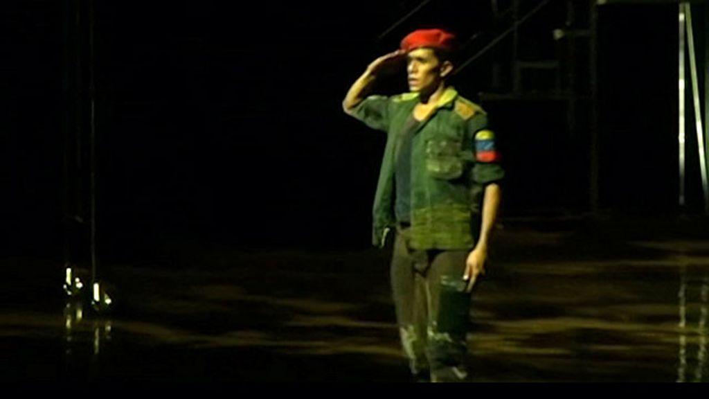 Vida de Hugo Chávez é contada em balé - BBC Brasil