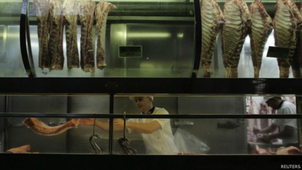 Churrasco mais caro: Carne é 'vilã da inflação' em 2014 - BBC Brasil