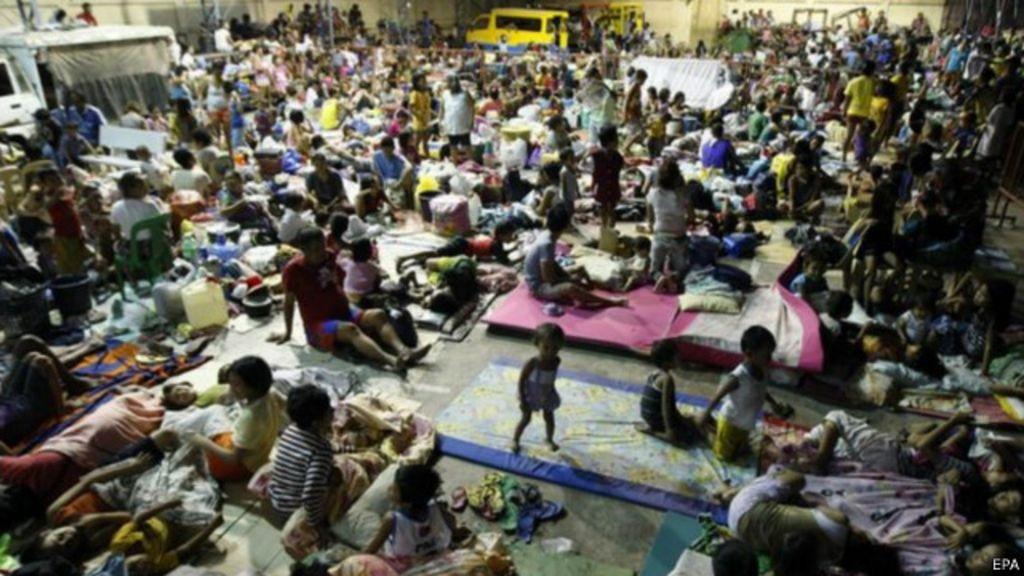 Tufão já faz estragos nas Filipinas e provoca ' fuga' de meio milhão ...