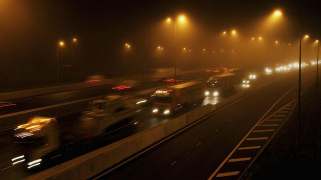 Imigrante ilegal escondido em caminhão morre em rodovia britânica ...