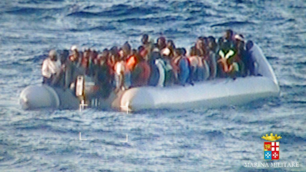 Marinha italiana resgata mais de mil imigrantes no Natal - BBC Brasil