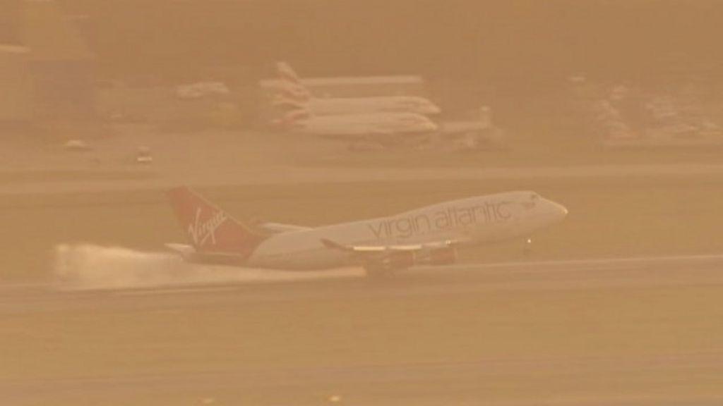 Avião faz aterrissagem de emergência em Londres sem trem de ...
