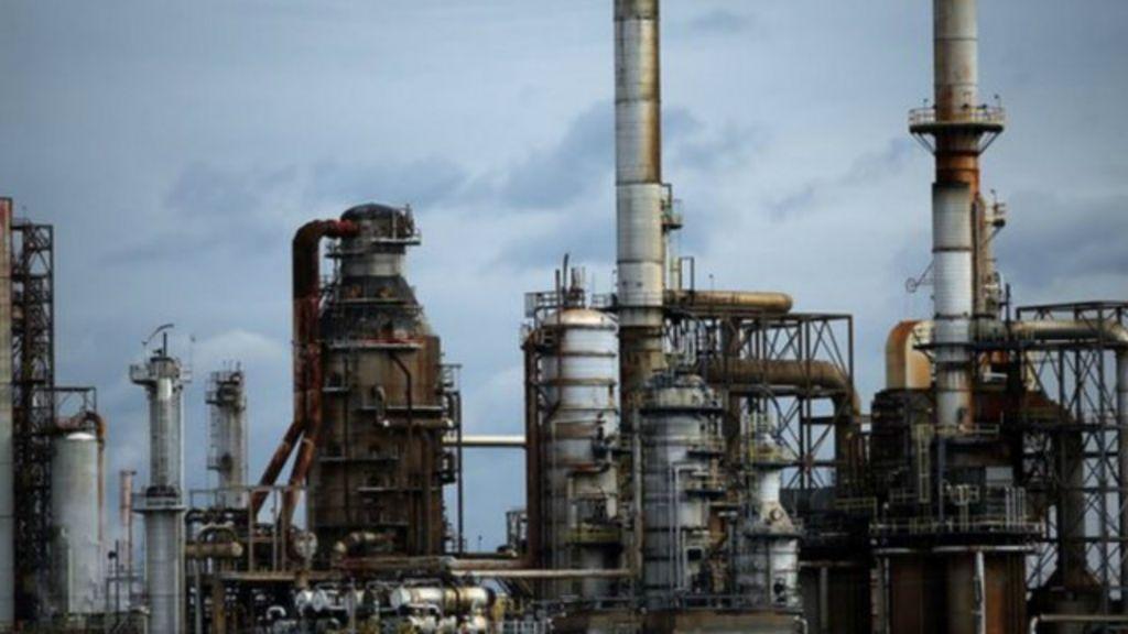 Até quando vão durar os preços baixos do petróleo? - BBC Brasil