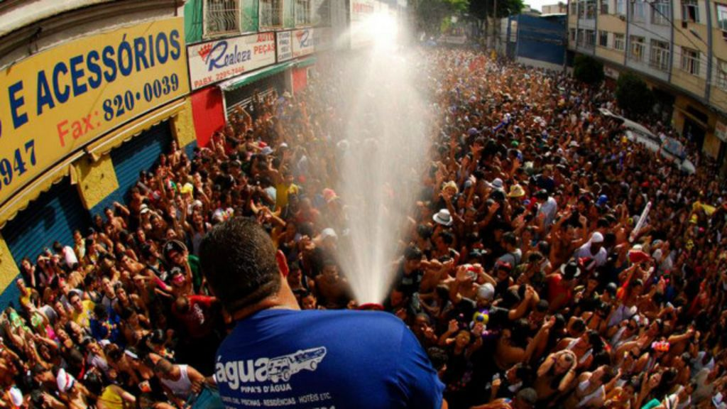Blocos do Rio desafiam crise hídrica e mantêm carros-pipa por ...