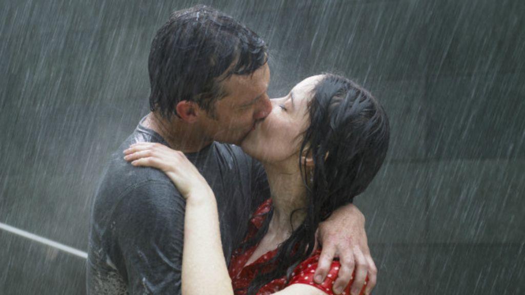 Como reconhecer os sintomas do 'vírus' do amor em seu corpo ...