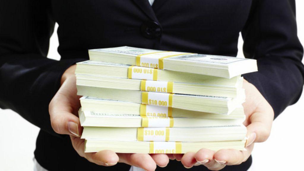 Pesquisas testam se dinheiro torna as pessoas más - BBC Brasil
