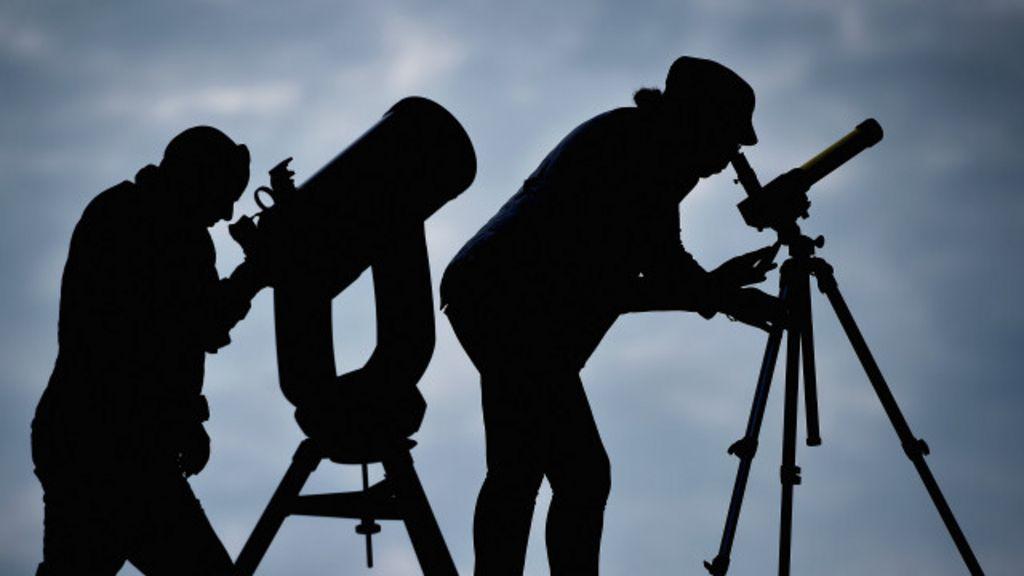 Ao vivo: Hemisfério Norte tem eclipse total do Sol, acompanhe ...